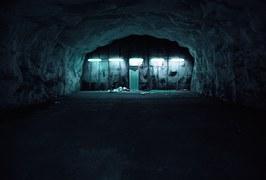bunker-554239__180
